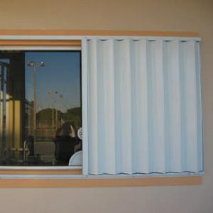 accordion-shutters-3a